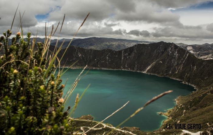 Color turqueza de la laguna de Quilotoa