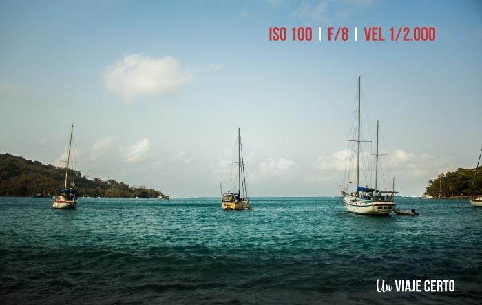 Botes en la playa de Sapzurro Colombia