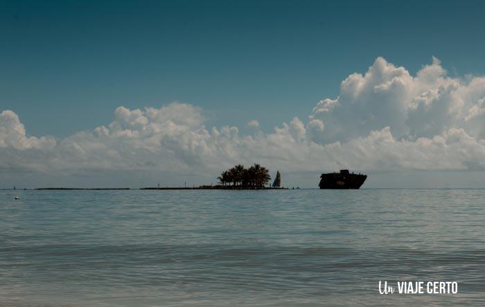 Hacer Snorkel en Rocky Cay