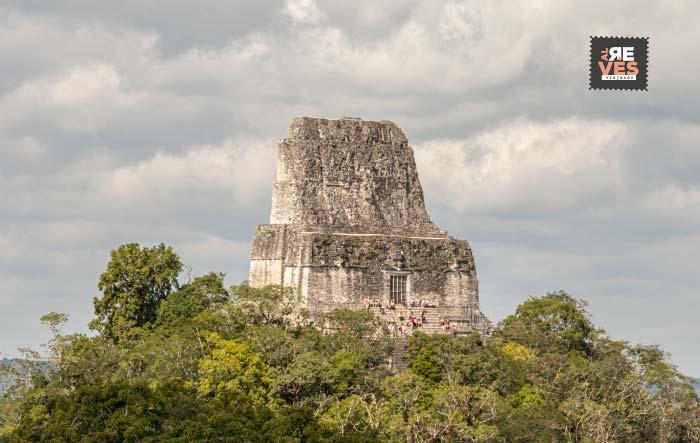 Vista del Templo IV desde Mundo Perdido