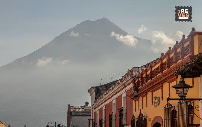 Volcán de Agua desde Antigua Guatemala