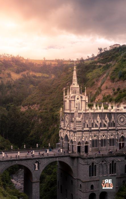 Vista del Santuario de las Lajas