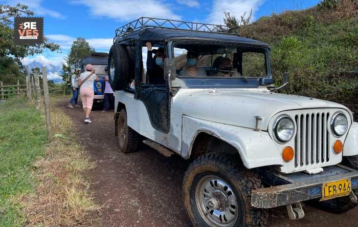 Jeep a la cueva del esplendor