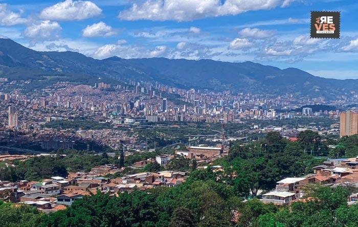 Viajar a Medellín y ver Panorámica de Medellín